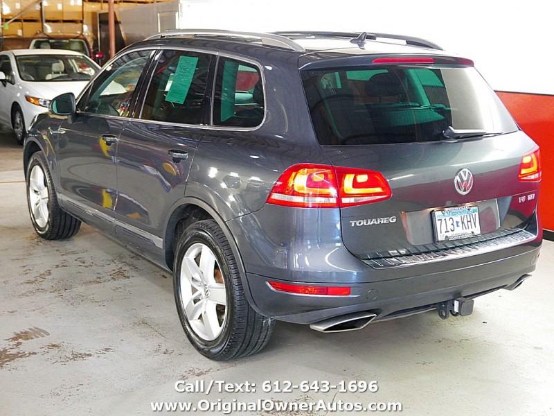 Volkswagen Touareg 2013 price $12,995