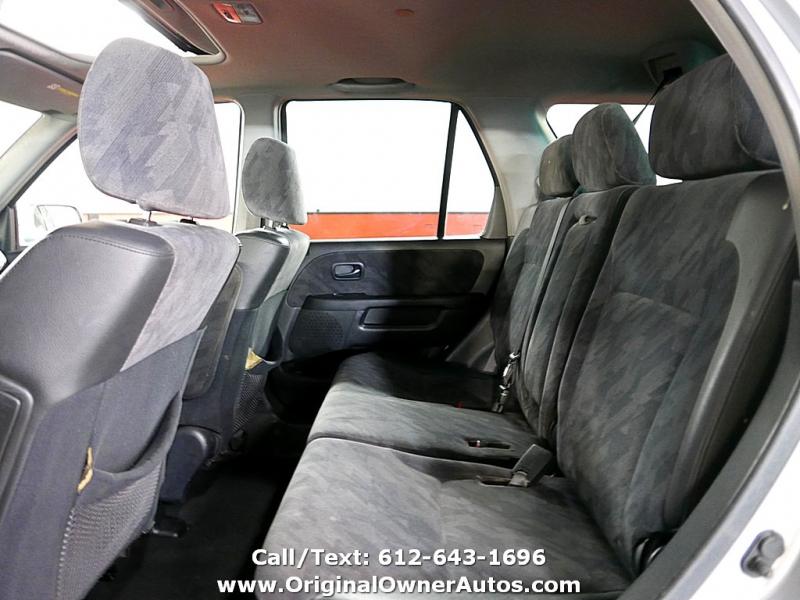 Honda CR-V 2004 price $5,995