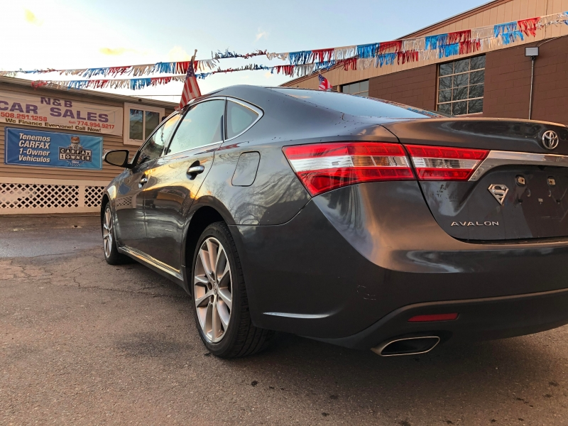 Toyota Avalon 2014 price $12,199