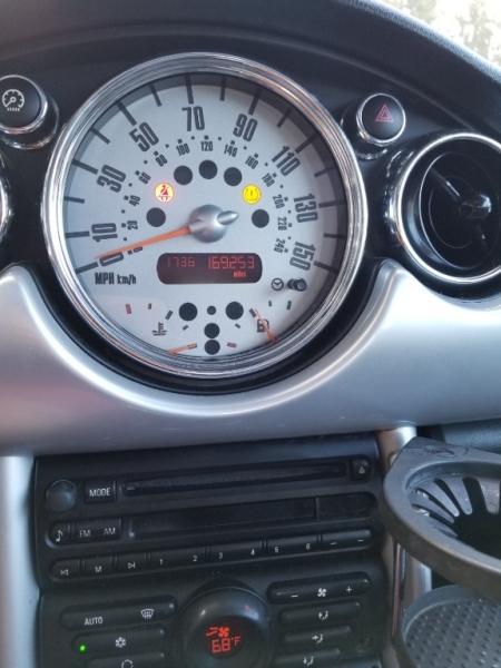 Mini Cooper Hardtop 2005 price $3,399