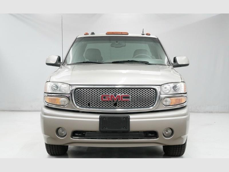 GMC Sierra Denali 2004 price $6,900 Cash