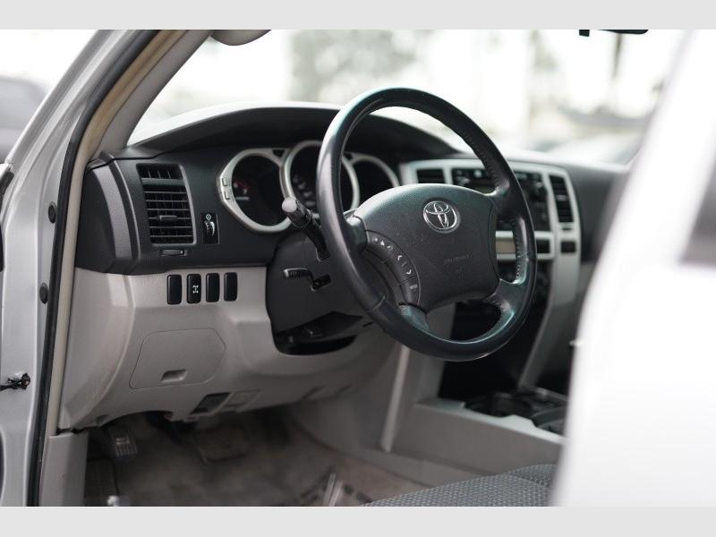 Toyota 4Runner 2004 price $6,900 Cash
