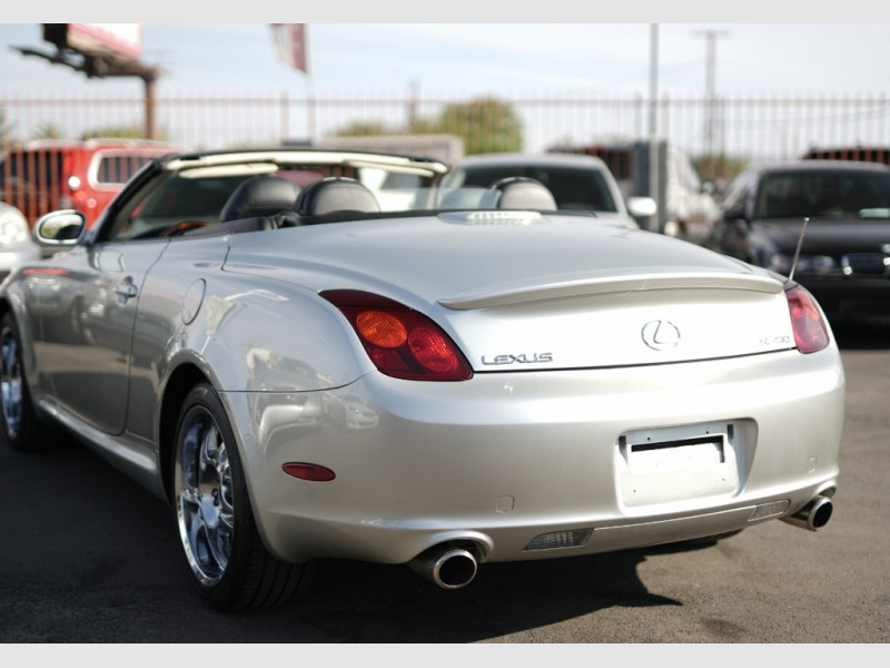 Lexus SC430 2002 price $8,900 Cash