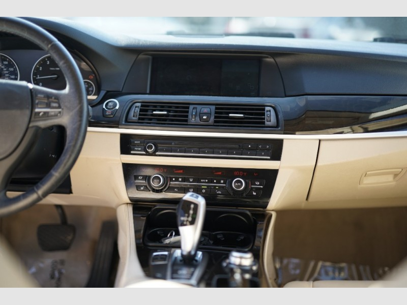 BMW 528i 2012 price $9,900 Cash