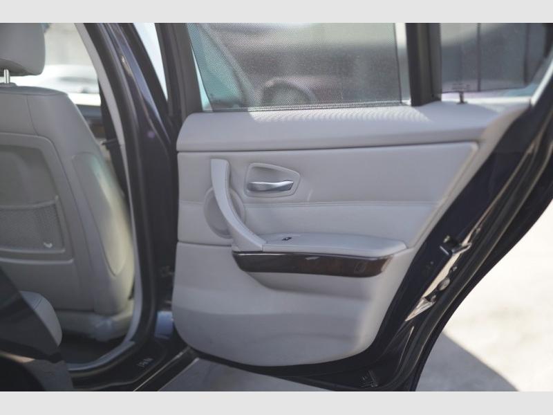 BMW 330i 2006 price $6,400 Cash