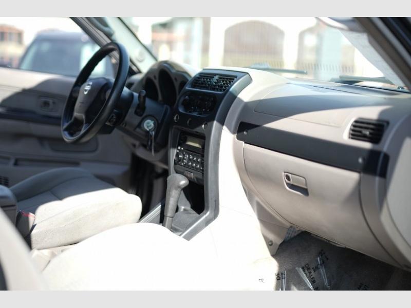 Nissan Frontier 2004 price $6,900 Cash
