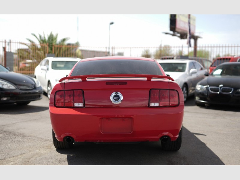 Ford Mustang 2006 price $8,900 Cash