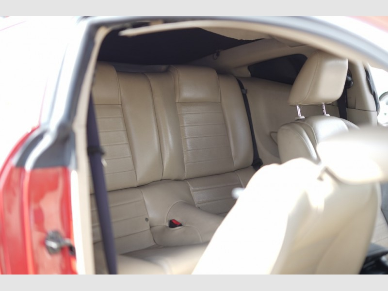 Ford Mustang 2006 price $8,400 Cash