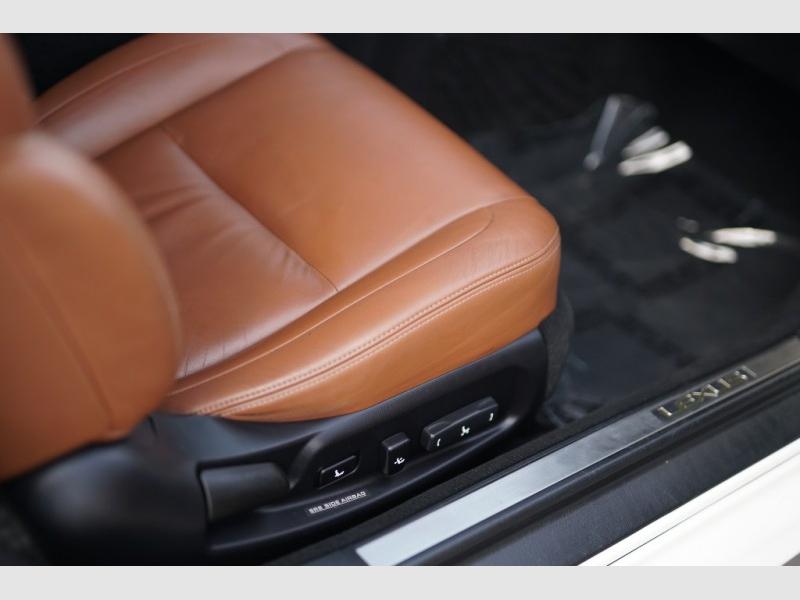Lexus SC 430 2002 price $11,900 Cash