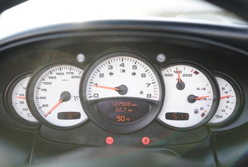 Porsche 911 2004 price $16,900 Cash