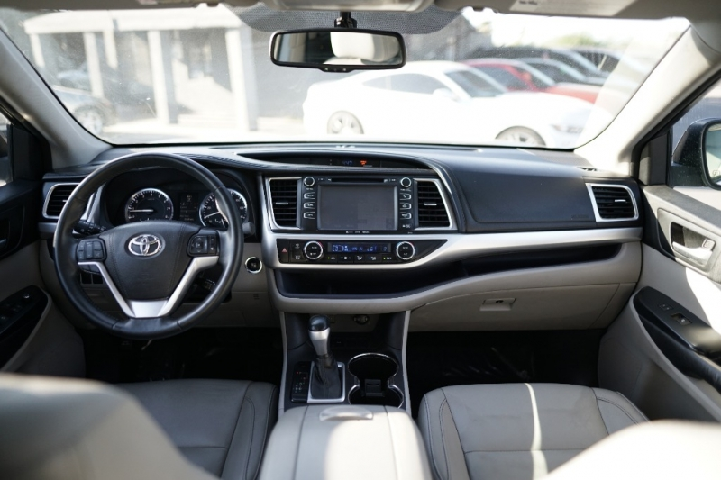 Toyota Highlander 2016 price $19,900 Cash