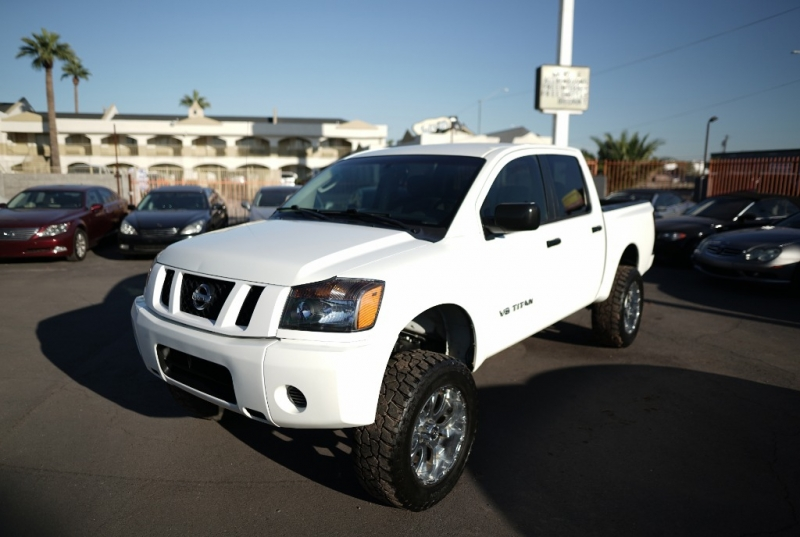 Nissan Titan 2008 price $13,900 Cash