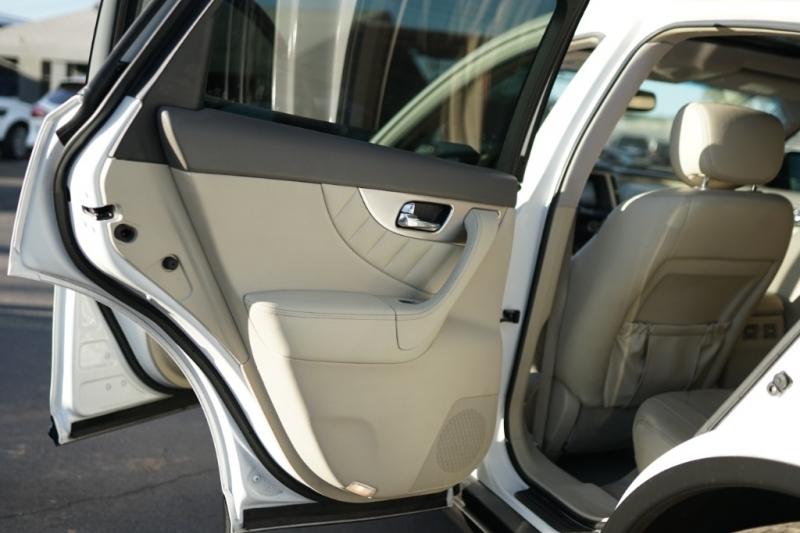 Infiniti FX35 2009 price $10,900 Cash
