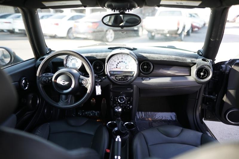 Mini Cooper 2011 price $7,900 Cash