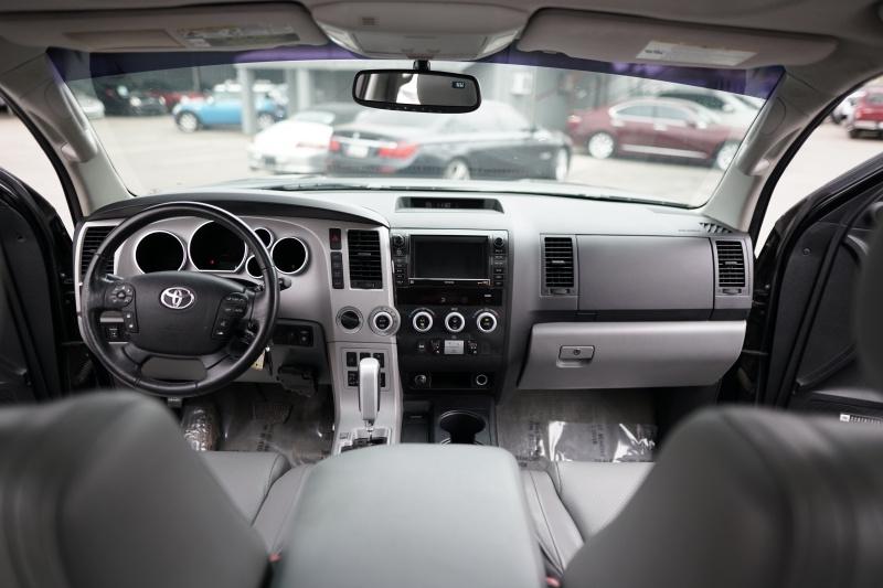 Toyota Sequoia 2008 price $14,900 Cash