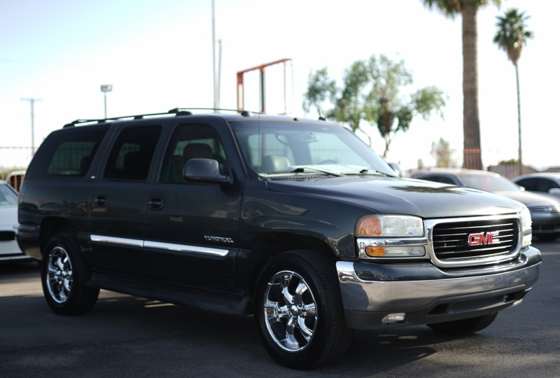 GMC Yukon XL 2004 price $5,900 Cash