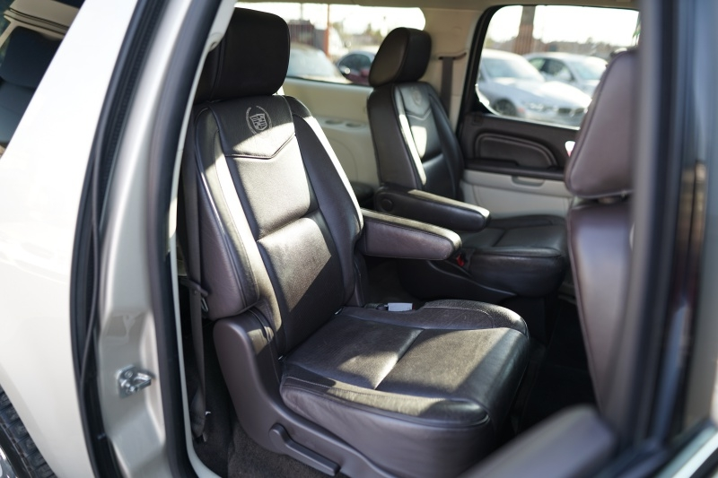 Cadillac Escalade ESV 2013 price $24,400 Cash