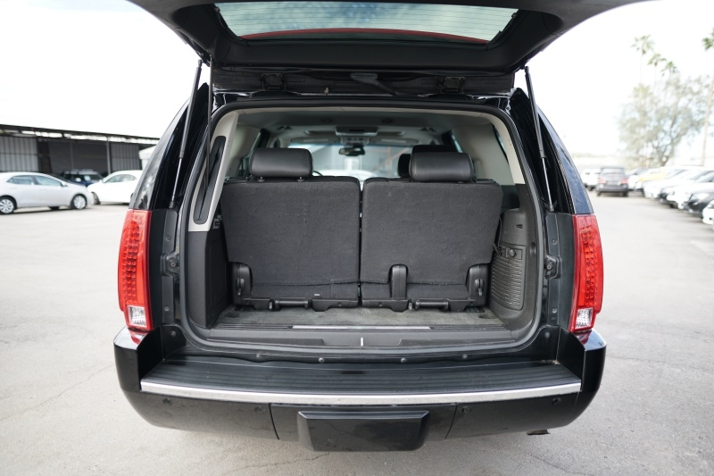 Cadillac Escalade 2008 price $11,900 Cash