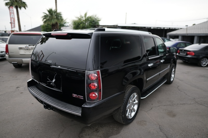 GMC Yukon XL Denali 2009 price $12,900 Cash