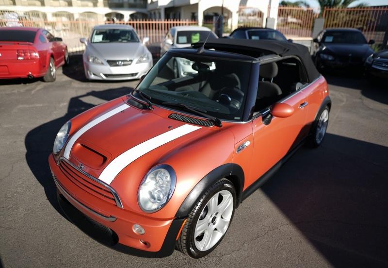 Mini Cooper 2006 price $5,900 Cash