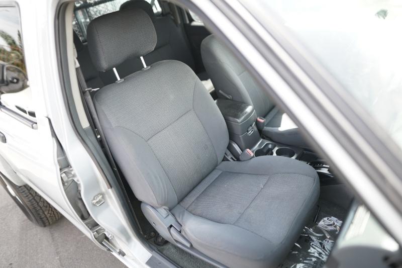 Nissan Frontier 2003 price $6,900 Cash