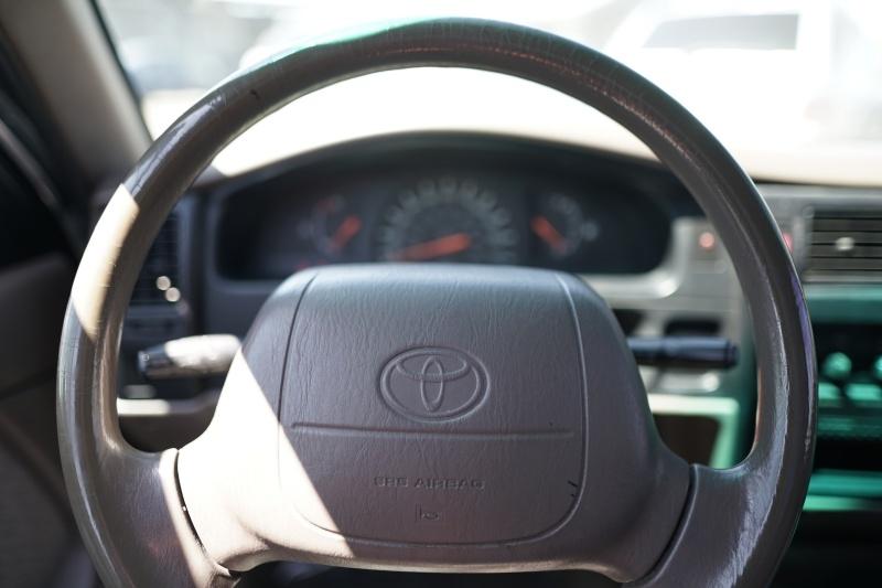 Toyota Tacoma 1995 price $5,900 Cash