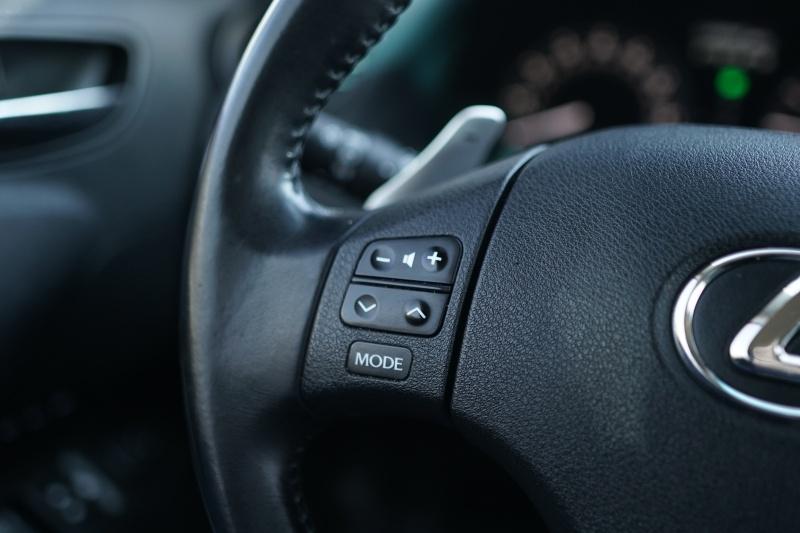 Lexus IS350C 2010 price $13,900 Cash