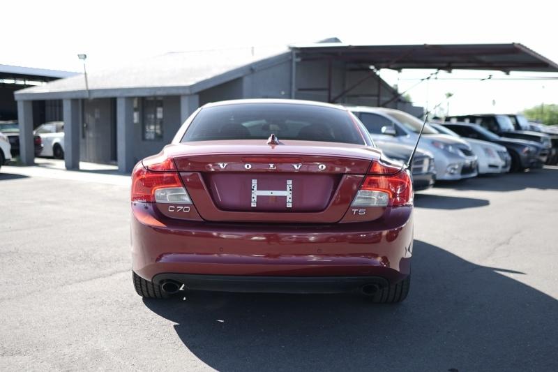 Volvo C70 2011 price $9,900 Cash