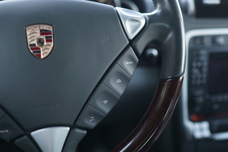 Porsche Cayenne Turbo 2005 price $11,900 Cash