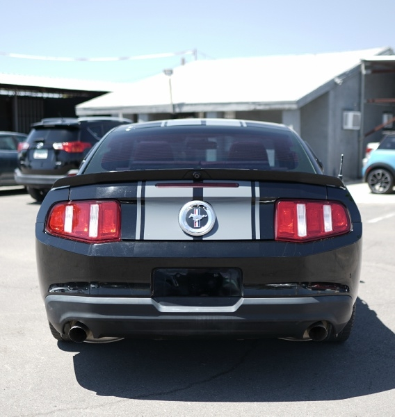 Ford Mustang 2011 price $9,900 Cash