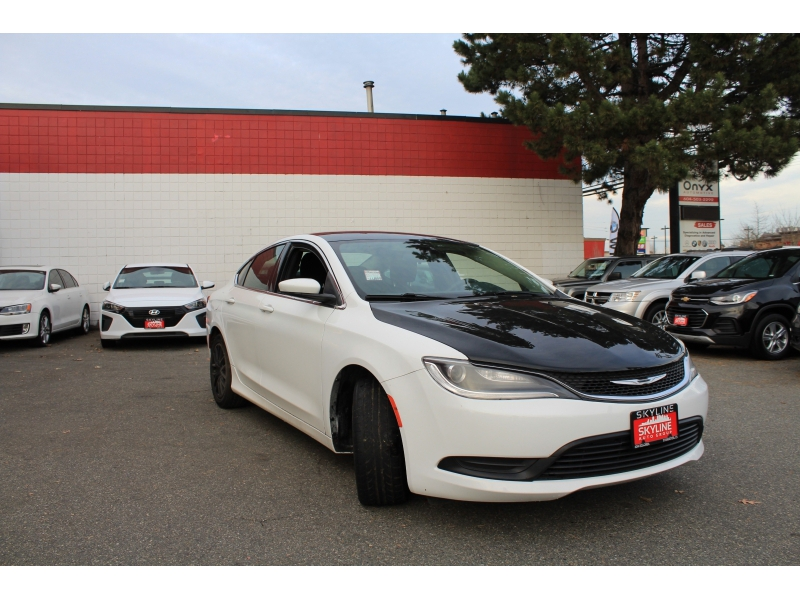 Chrysler 200-Series 2015 price $7,889