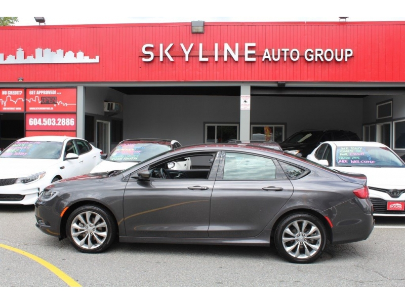 Chrysler 200 2015 price $12,889