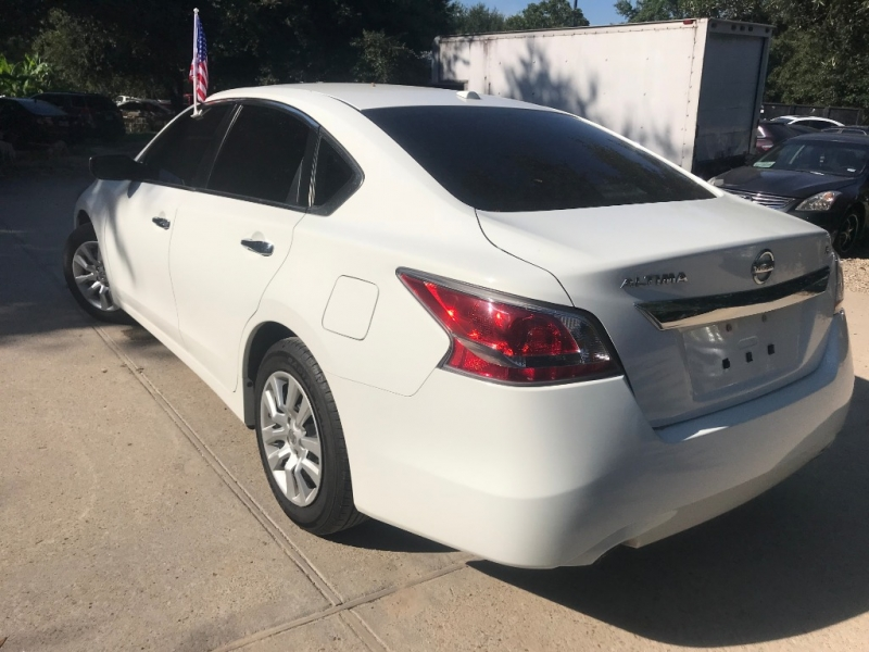 Nissan Altima 2015 price $2,500 Down