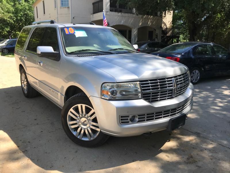 Lincoln Navigator 2010 price $3,000 Down