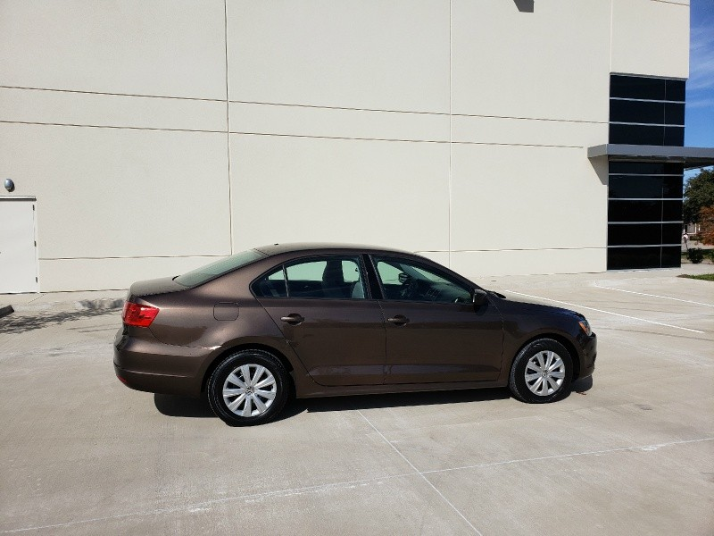 Volkswagen Jetta Sedan 2014 price $8,900