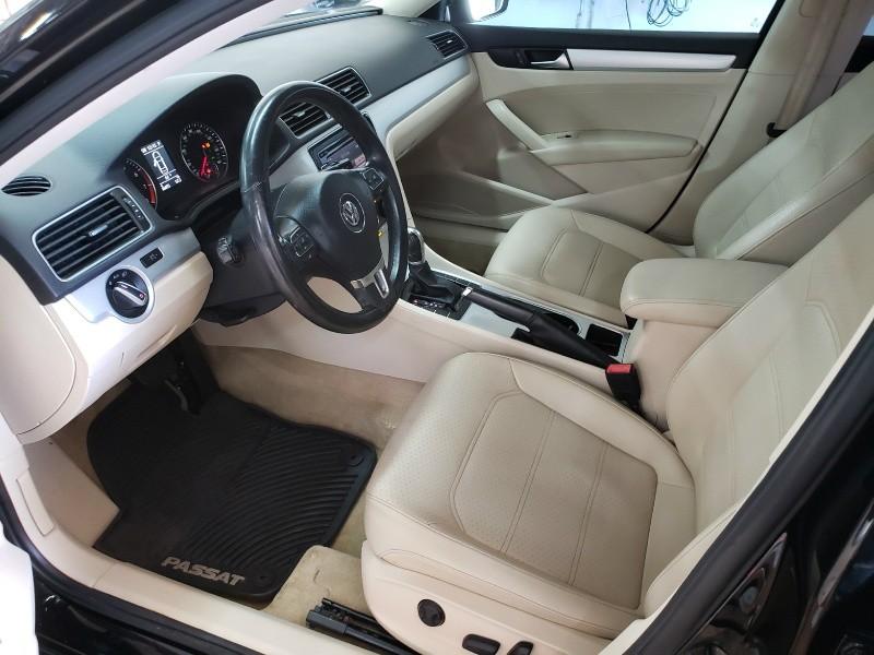 Volkswagen Passat 2013 price $9,900