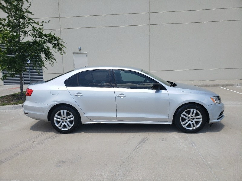 Volkswagen Jetta Sedan 2015 price $5,900