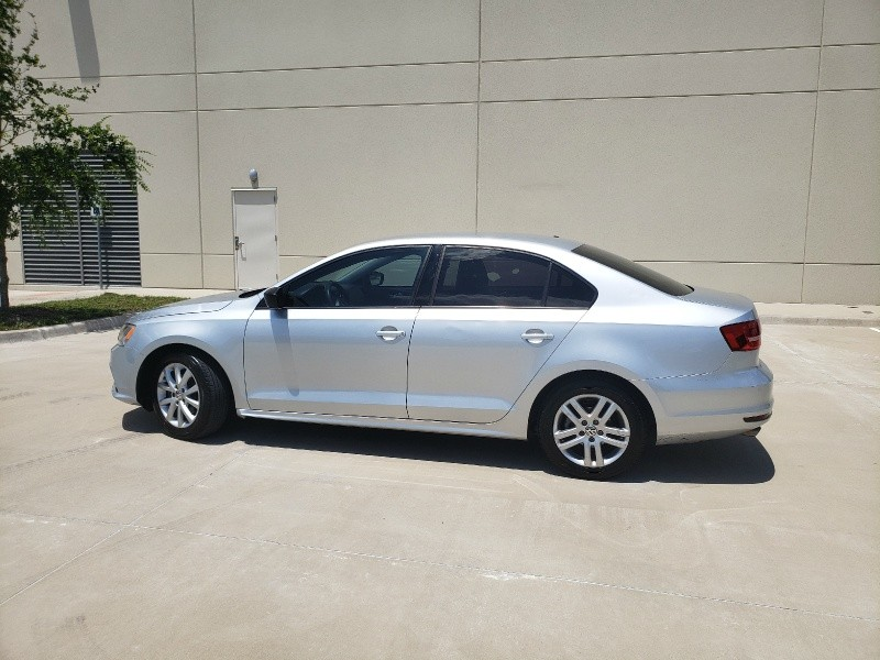 Volkswagen Jetta Sedan 2015 price $6,400
