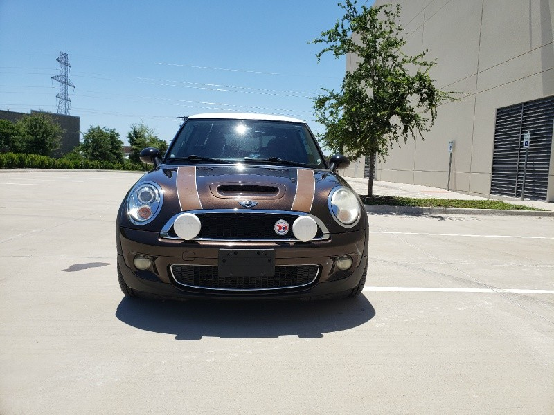 Mini Cooper Hardtop 2010 price $7,400