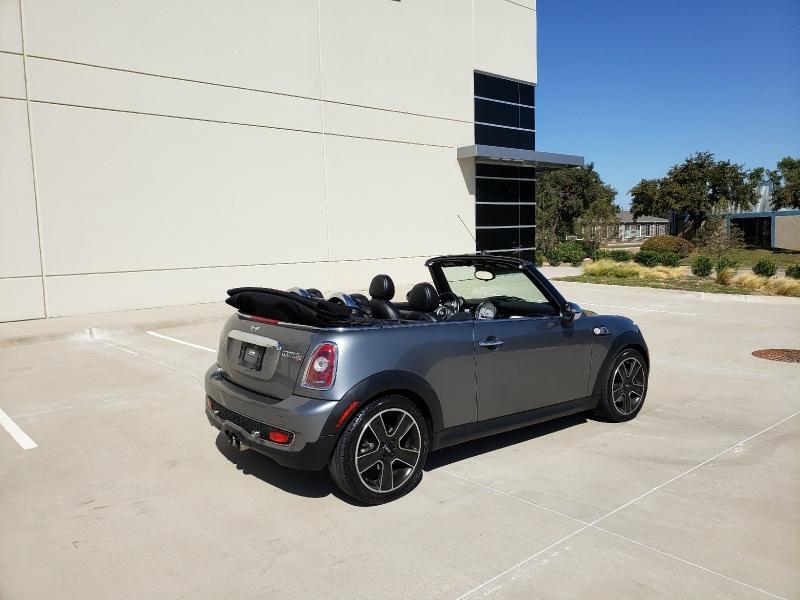 Mini Cooper Convertible 2009 price $6,900