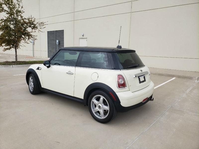Mini Cooper Hardtop 2008 price $4,900