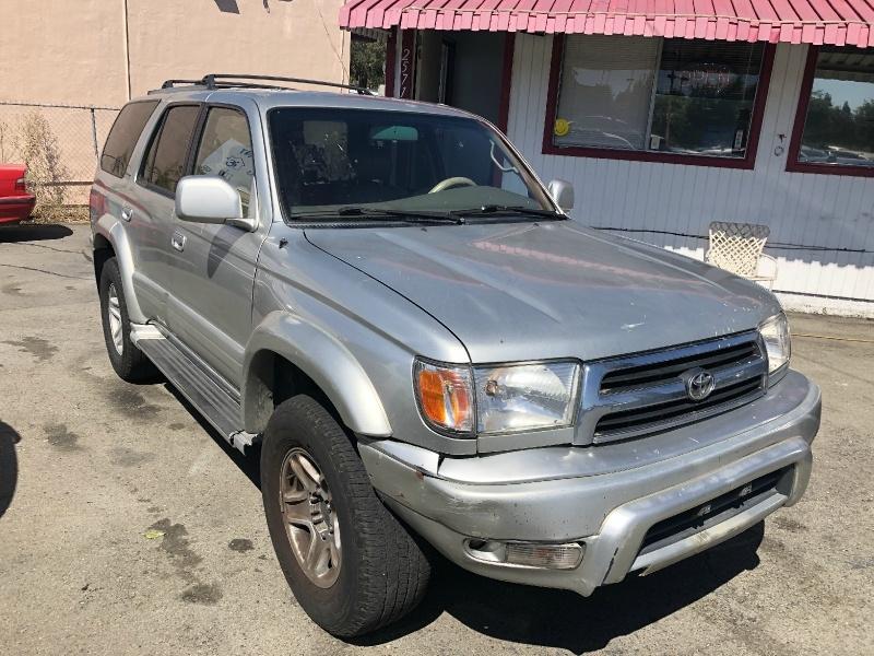 Toyota 4Runner 2000 price $3,200