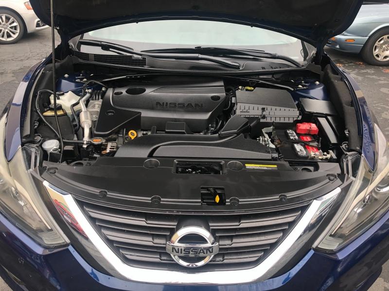 Nissan Altima 2016 price $11,975