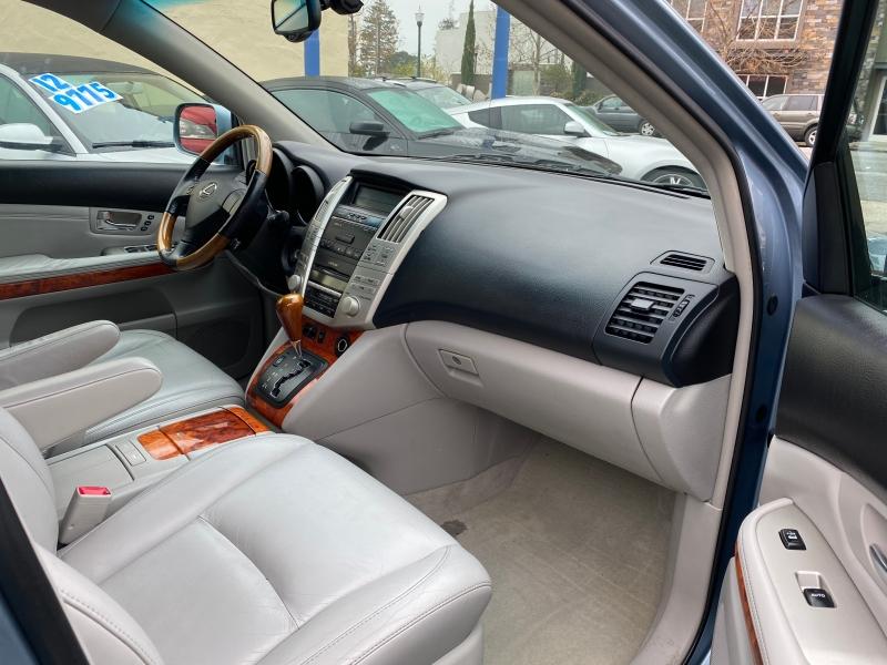 Lexus RX 330 2005 price $7,975