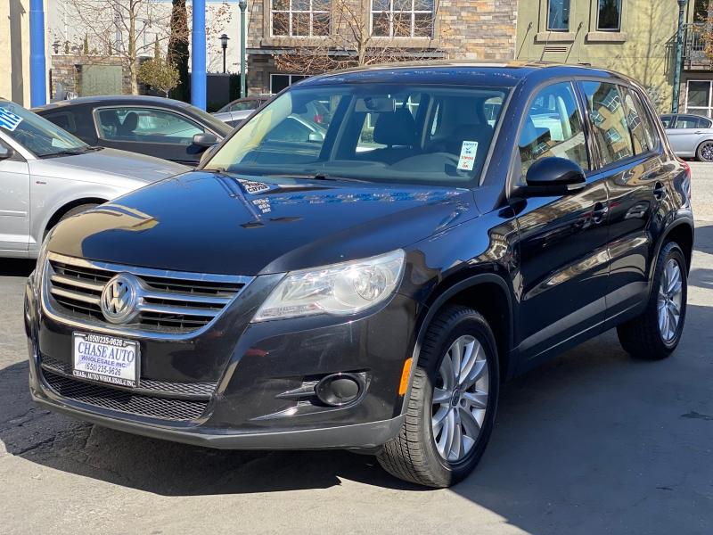Volkswagen Tiguan 2009 price $7,975