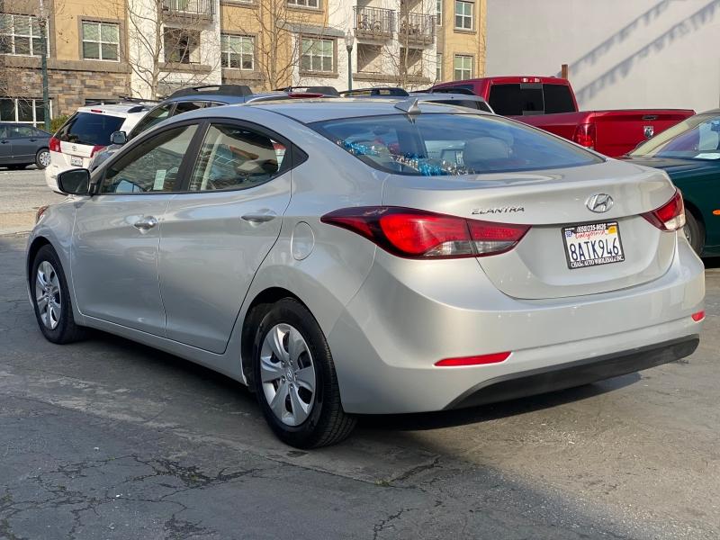 Hyundai Elantra 2016 price $8,975