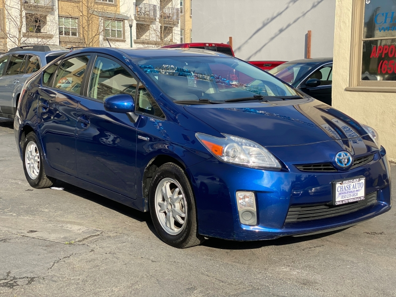 Toyota Prius 2011 price $7,975