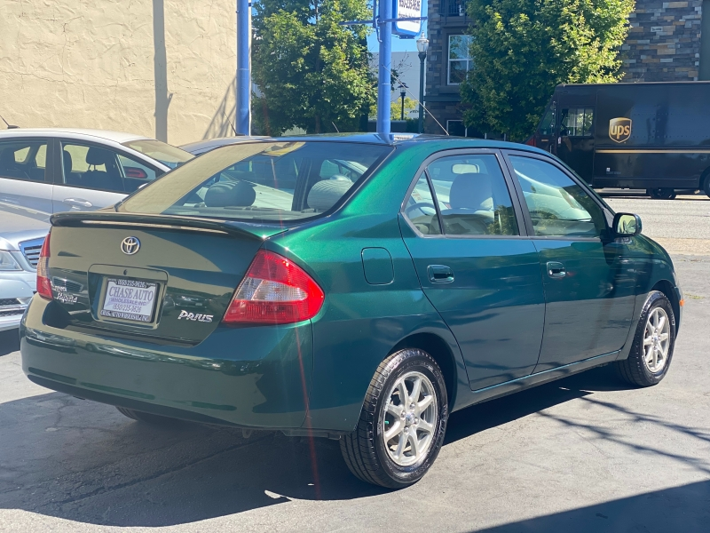 Toyota Prius 2003 price $4,975