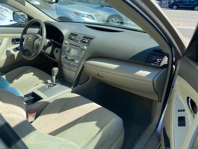 Toyota Camry Hybrid 2007 price $8,975