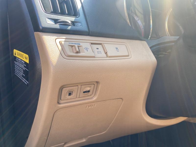 Hyundai Sonata 2013 price $7,975
